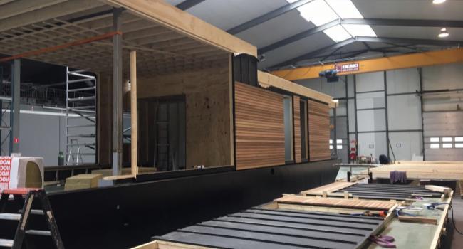 aanbouw-aquaviveboat.JPG